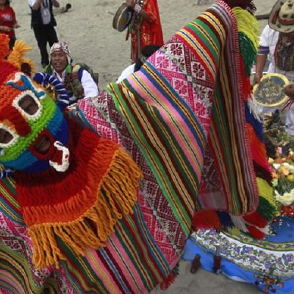 En Perú, los chamanes se reunieron para hacer rituales a los dioses.