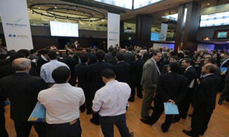Los inversores esperan que el candidato Aécio Neves impulse políticas que sean más favorables a los accionistas.  (Foto: AFP )