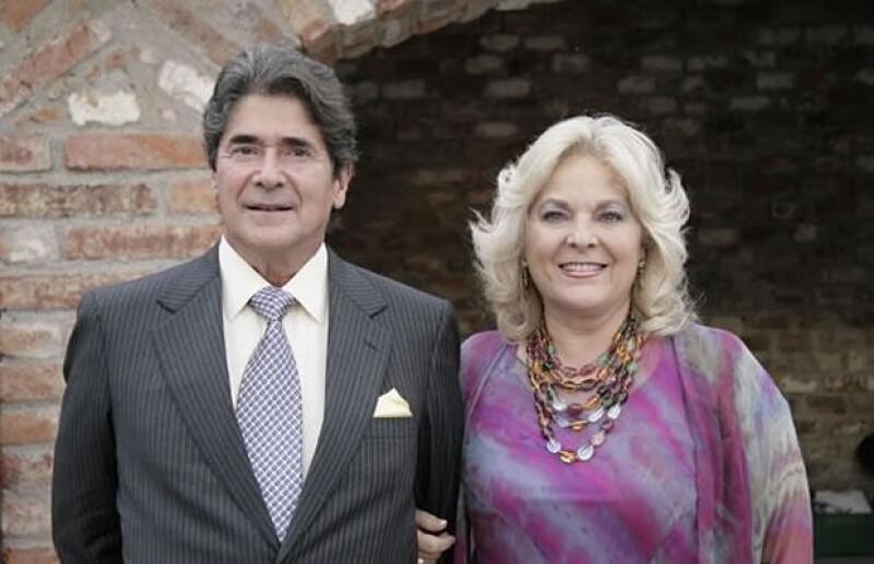 Conoce la historia de amor de tres de las parejas más queridas en México, por haber formado familias ejemplares.