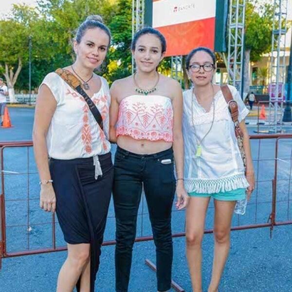 Angélica,Sofía y Mimí Negrete