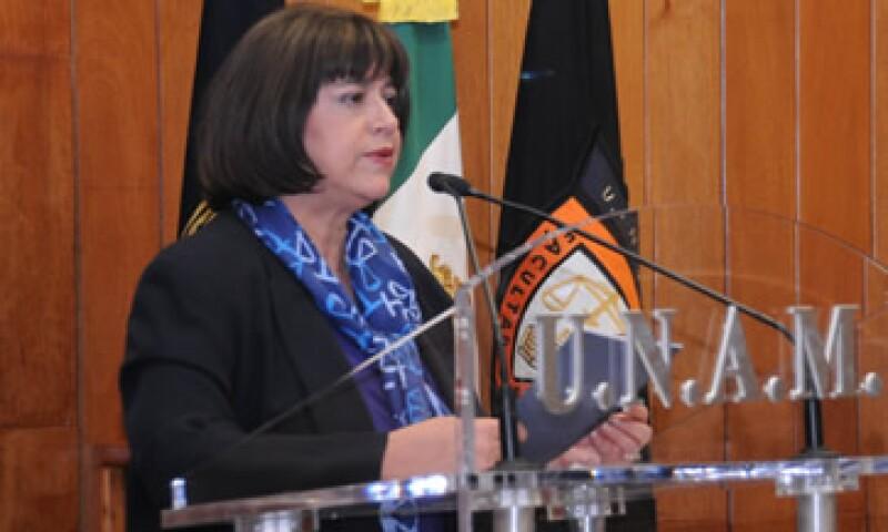 María Leoba Castañeda, nueva directora de la Facultad de Derecho, prometió elaborar planes y programas que vayan a la par del dinamismo social. (Foto: De UNAM)