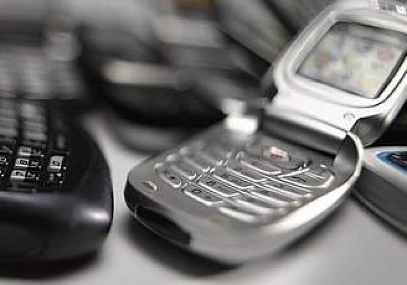 La población de ingresos más bajos sufrirá el impacto del impuesto a telecomunicaciones, estiman analistas. (Foto: Jupiter Images)