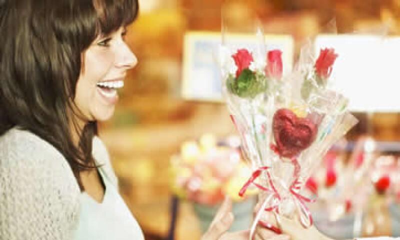 Los establecimientos de flores, dulcerías, tiendas de regalos, ropa, discos y perfumerías tendrán vigilancia especial.  (Foto: Thinkstock)