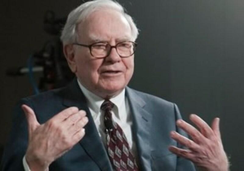 Warren Buffett comanda a la empresa Berkshire Hathaway, que debutó en este mes en el índice S&P 500. (Foto: AP)