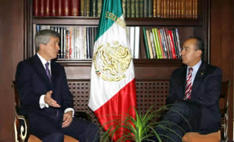 James Dimon, CEO de JP Morgan, se reunió este jueves con el presidente Felipe Calderón. (Foto: Notimex)