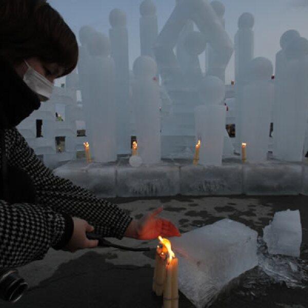 Cada quien a su manera rindió un homenaje a las miles de personas que murieron y a aquellas que siguen en calidad de desaparecidas.