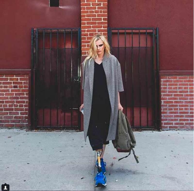 Lauren Wasser, de 27 años, perdió la pierna derecha luego de sufrir síndrome de shock tóxico, producido por el uso de tampones.