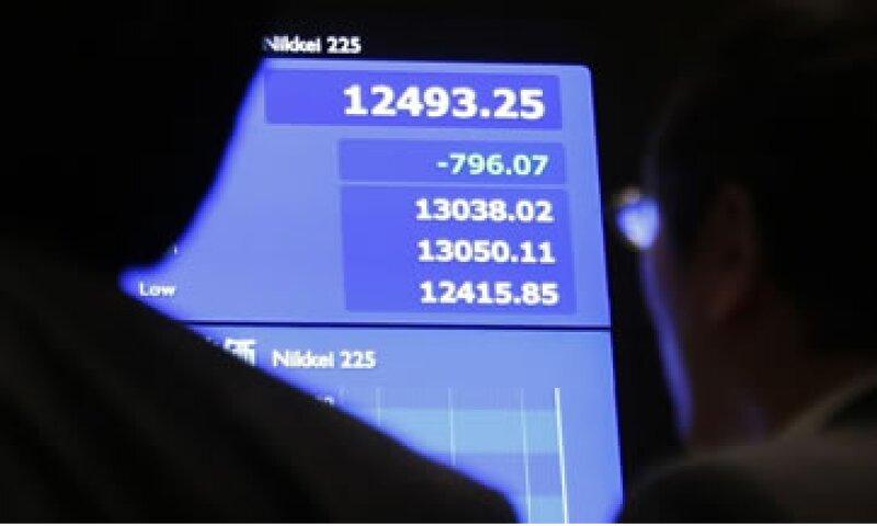 El desplome coincidió con los rumores de que la Fed reducirá su programa de alivio cuantitativo.  (Foto: Reuters)