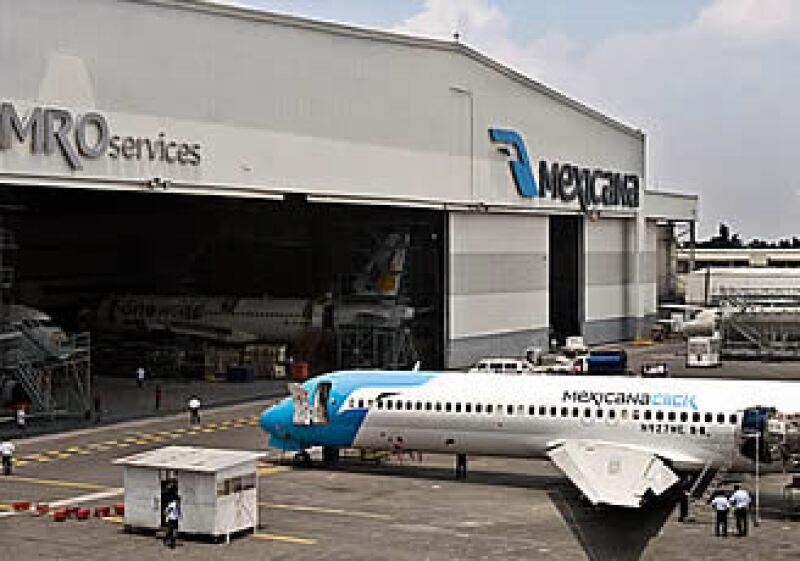 La empresa aérea adeuda más de 14,000 mdp a sus proveedores.  (Foto: Ernesto Ramírez)