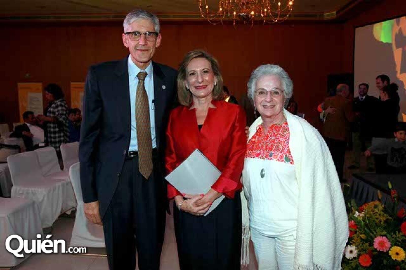 Jorge Manuel Moradas,Nelly Jiménez O´Farril y Susana Barnetche
