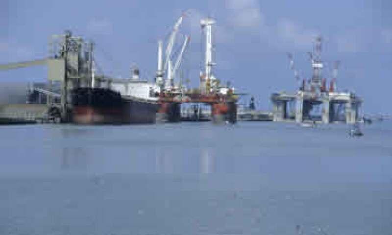 El petróleo operó entre los 85.62 y los 87.93 dólares. (Foto: Photos to go)
