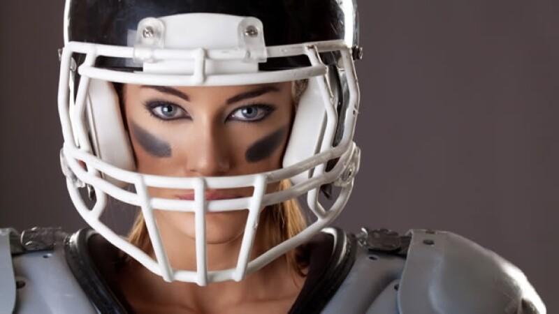 mujer futbol americano