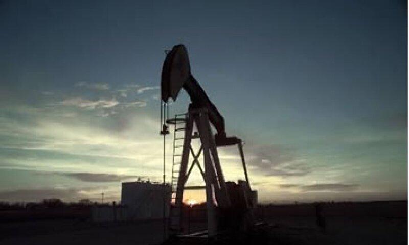El informe de la OPEP vino dos días después de que los países miembros no pudieran acordar un aumento a las cuotas de extracción. (Foto: AP)