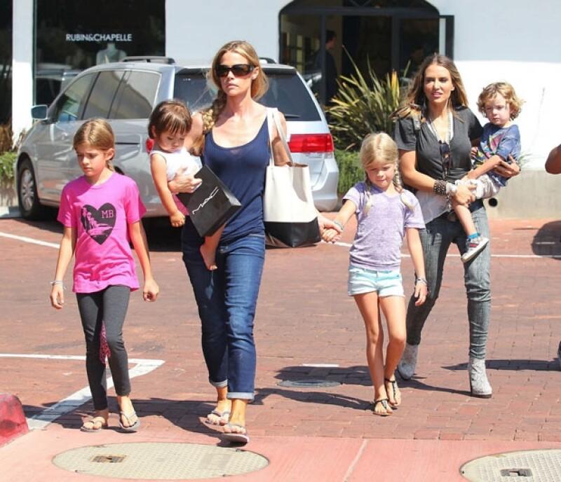 Brooke Mueller, ex de Sheen, se encuentra en rehabilitación por lo que le pidió al tribunal que no fuera Denise quien se encargara de sus hijos, pero éste decidió que Bob y Max se queden con la actriz