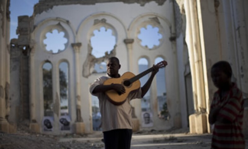 Según autoridades haitianas, 550,000 personas continúan sin un lugar donde vivir. (Foto: AP)