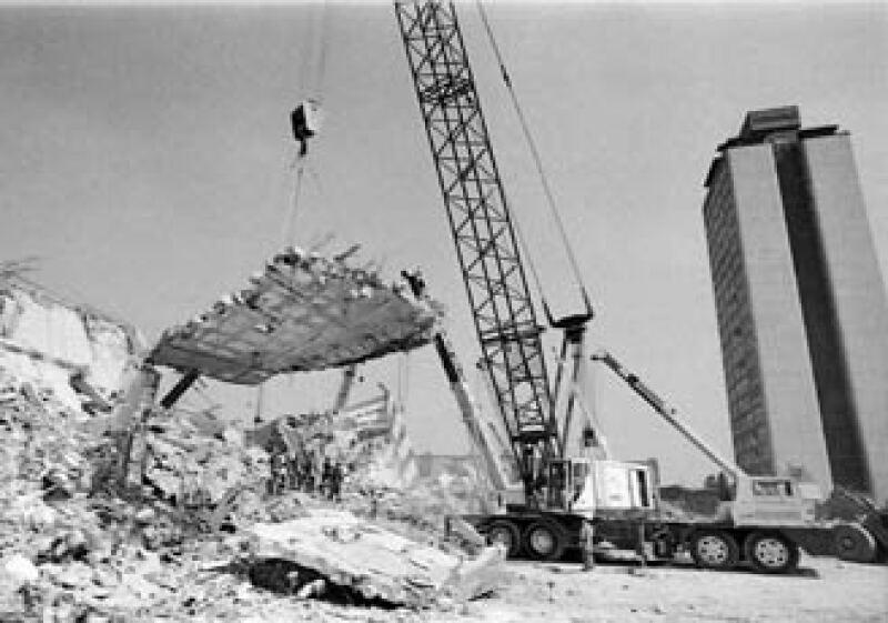 Tlatelolco fue uno de los lugares de la Ciudad de México más  dañados por el sismo ocurrido la mañana del 19 de septiembre de 1985. (Foto: Hermanos Mayo/ Archivo General de la Nación.)