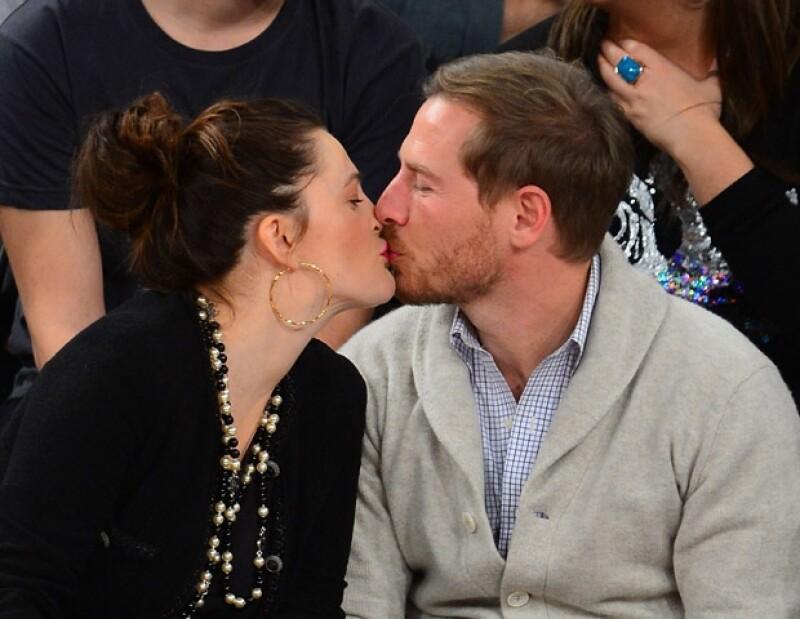Al parecer a la actriz de `Jamás Besada´ la vida le pinta muy bien junto a su esposo Will.