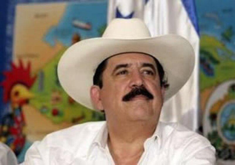 Manuel Zelaya se encuentra negociando su regreso a Honduras pata retomar el poder. (Foto: Reuters)