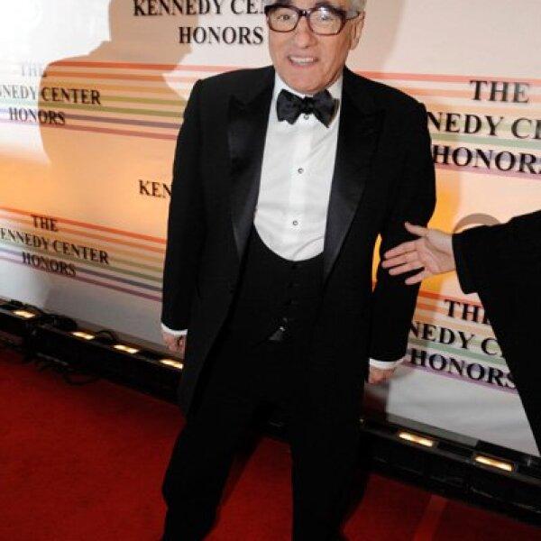 El director Martin Scorsese se vio con mucha energía mientras desfilaba por la alfombra roja.