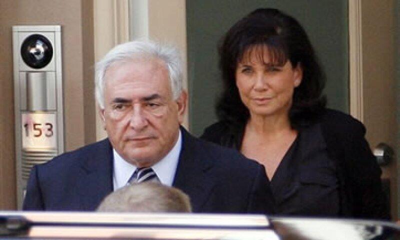 Personas cercanas a Strauss-Kahn afirman que está frustrado tras el escándalo de abuso sexual en que se vio involucrado.  (Foto: AP)