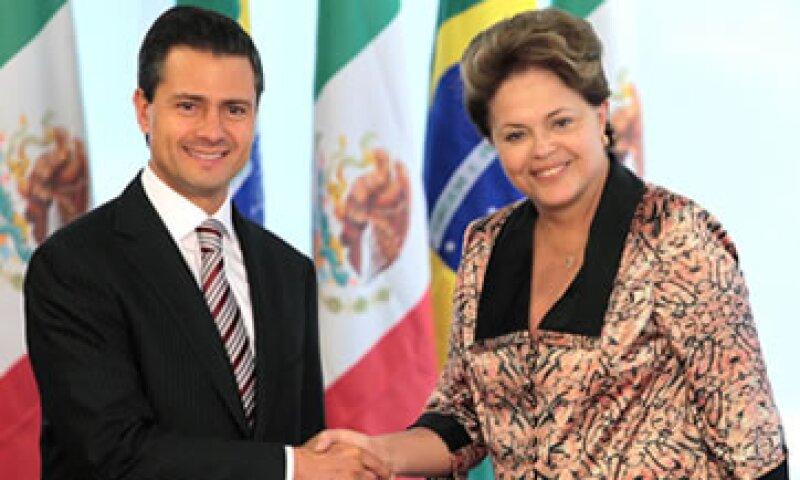 Enrique Peña Nieto, presidente electo de México, se reunió este jueves con Dilma Rousseff. (Foto: AP)