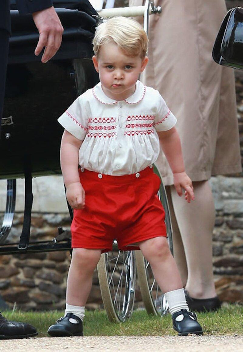 El look que George usó en el bautizo de Charlotte se agotó en una hora.