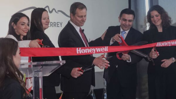 Honeywell inaugura Centro Estrat�gico
