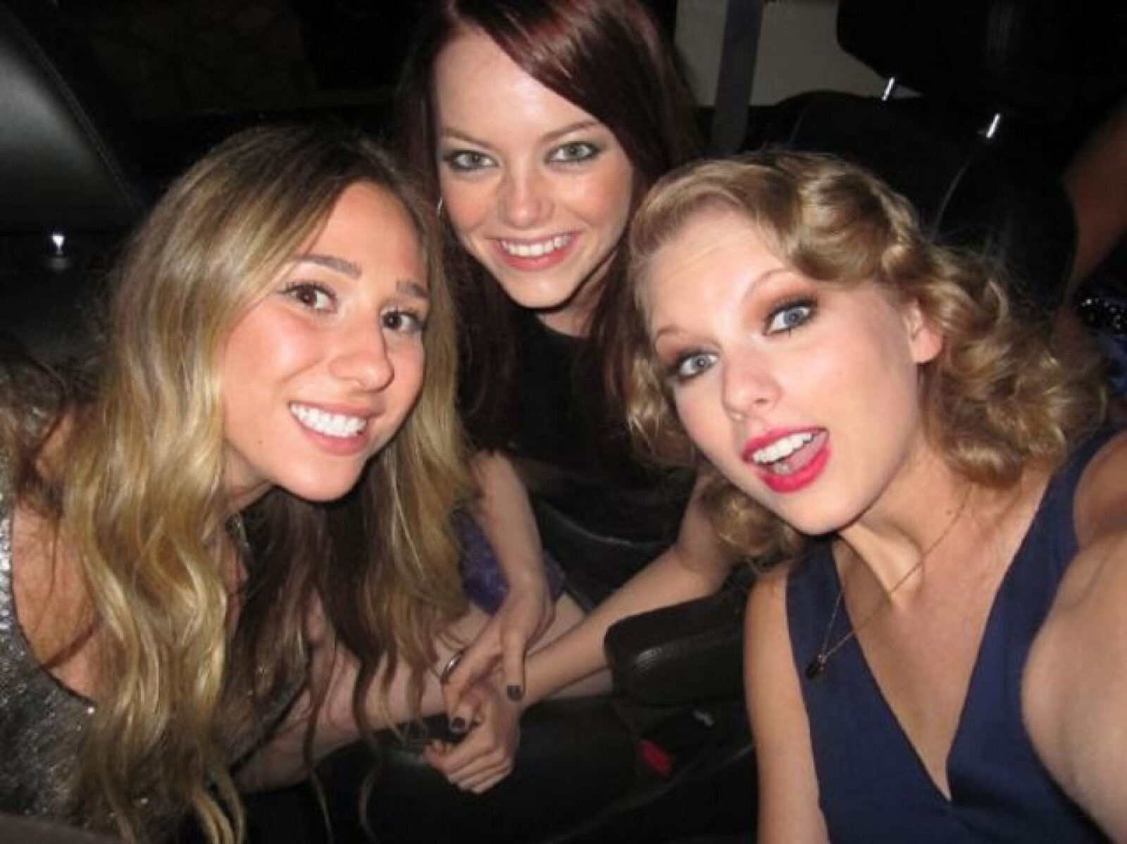 """""""Tiempos hermosos con @stonenobrien and @ashmacthegreat"""" escribió Taylor Swift."""