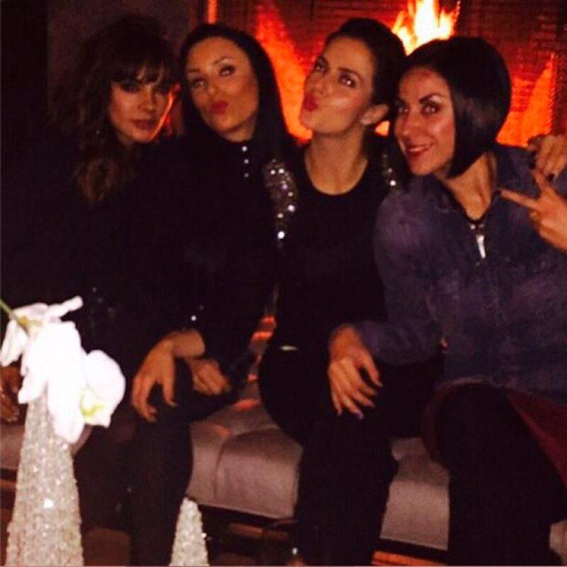 Como buenas amigas, Inés Gómez Mont, Claudia Álvarez, Rossana Nájera y Heydee Hofmann se reunieron para celebrar las festividades de la temporada, así como su amistad.