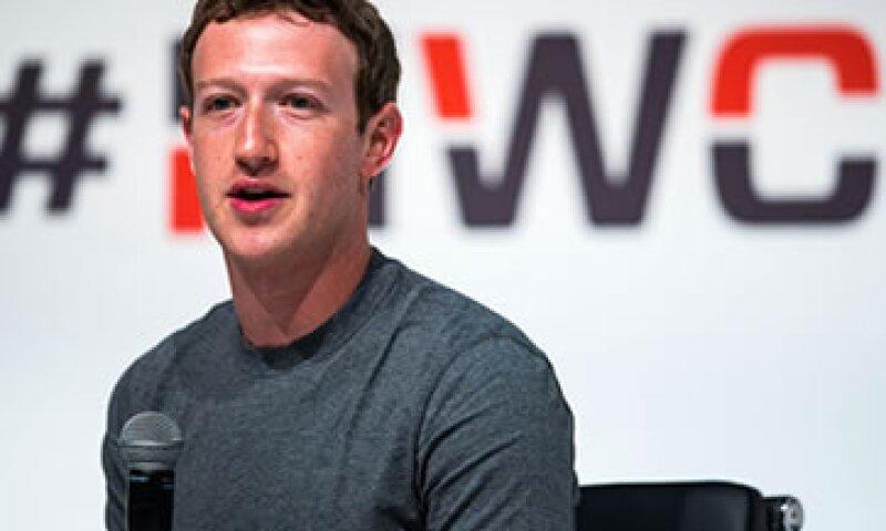 El reto literario de Zuckerberg se trata de leer un libro nuevo cada dos semanas. (Foto: Reuters)