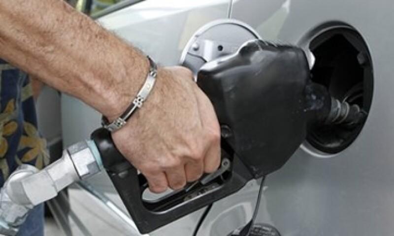 México importa actualmente más del 40% de la gasolina que consume. (Foto: AP)