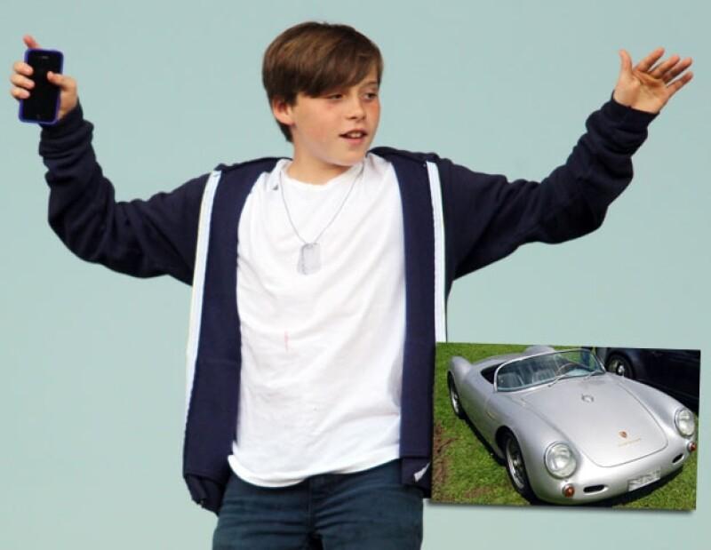 Brooklyn pidió un auto clásico y su papá, David Beckham, se lo concedió.