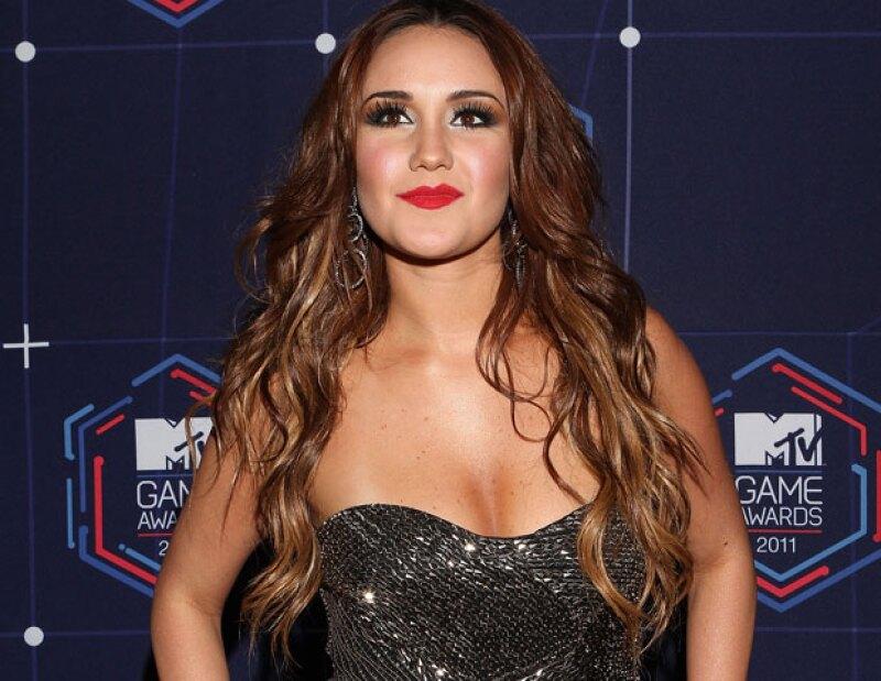La actriz y cantante no pudo ocultar su felicidad por el estreno del largometraje, que desde hace meses circula por el circuito de festivales, logrando premios internacionales.