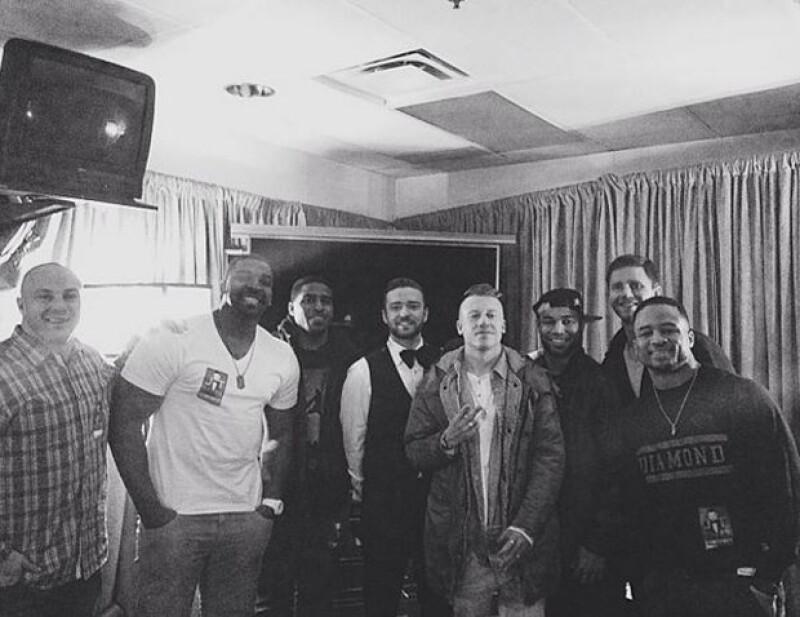 Integrantes de Seattle visitaron a Justin Timberlake en uno de sus conciertos, lo mismo que Mackelmore, quien también es muy aficionado.