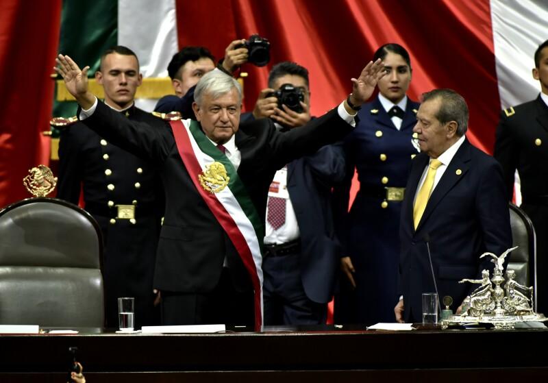 Primer mensaje. Tras recibir la banda presidencial, López Obrador dio un discurso ante diputados, senadores y cientos de invitados.
