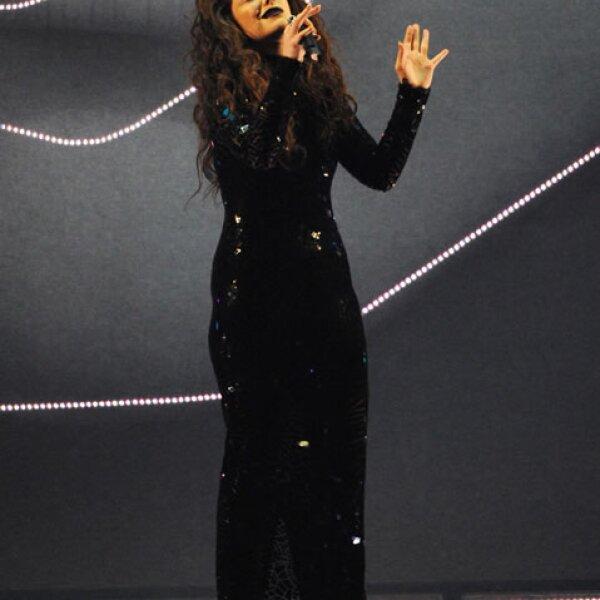 Lorde ganó premio por Mejor Solista Internacional y cantó en vivo.