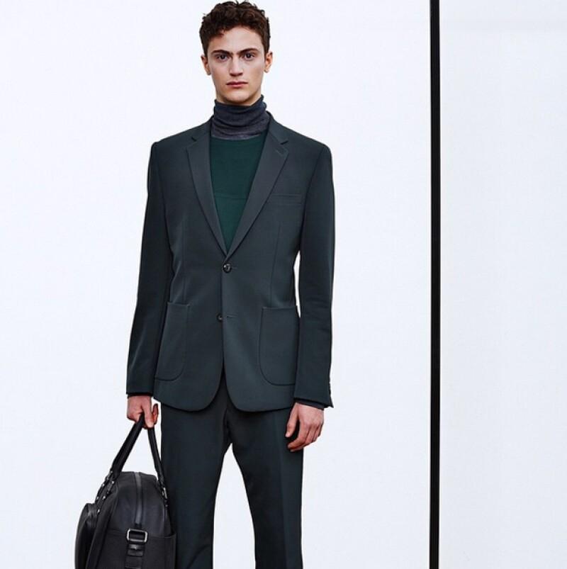 El profesor de inglés ha desfilado para marcas como DKNY, Diesel y Alexander McQueen, sin descuidar su primera carrera.