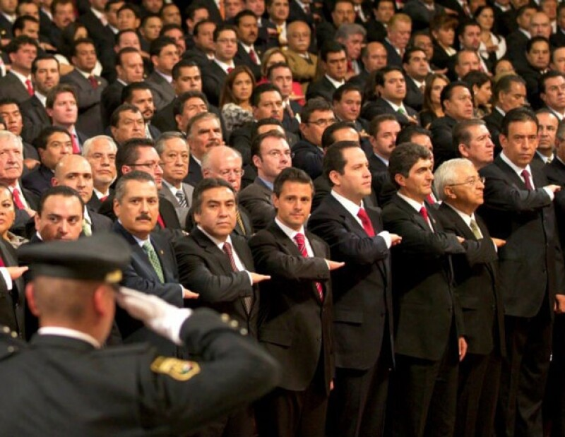 Esta mañana Eruviel Ávila tomó protesta como el nuevo gobernador del estado de México.