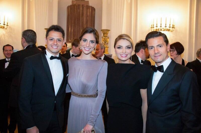 El presidente de Alemania, Joachim Gauck, ofreció una gala en honor al presidente de México y su esposa, donde también estuvieron invitados el famoso futbolista mexicano y Lucía Villalón.