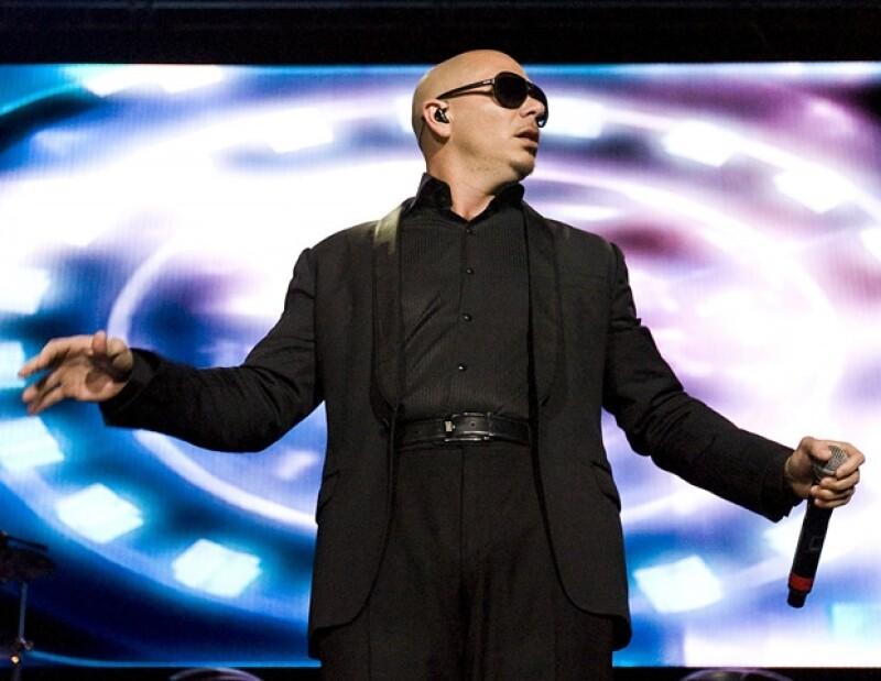 El músico le puso el toque latino a la gran fiesta que ofreció en Ciudad de México.