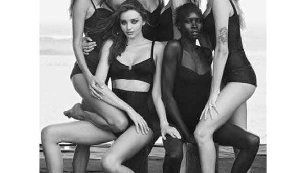 En celebración a su 50 aniversario la marca de neumáticos lanzará una edición limitada de fotos en la que figuran a manera sexy; Miranda Kerr, Alessandra Ambrosio, Isabeli Fontana y Karolina Kurkova.