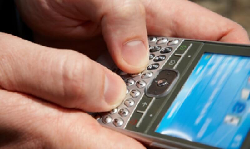 Telefónica tiene el 22% del mercado de celulares en México, pero sólo 12% de los ingresos totales. (Foto: AP)