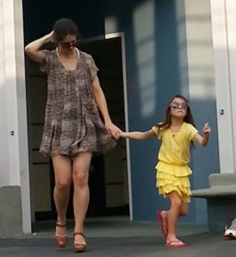 Madre e hija decidieron huir del frío de Nueva York para refugiarse temporalmente en Orlando, donde la actriz llevó a su pequeña al lugar más feliz del mundo.
