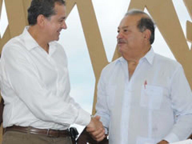 Elvira Quesada y Slim prevén inversiones en el Golfo de California y el Desierto de Chihuahua.. (Foto: Notimex)