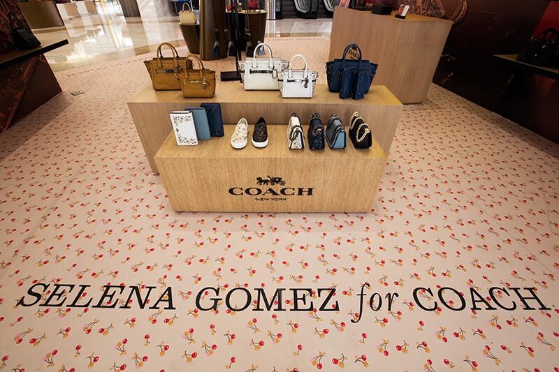 Selena-Gomez-Coach