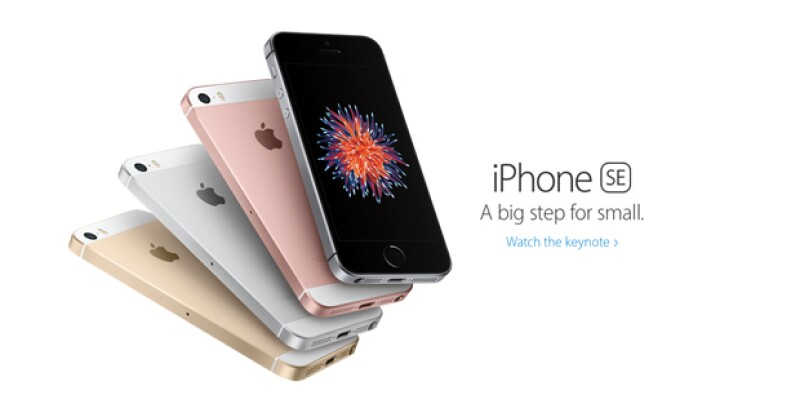 """Apple acaba de comunicar sus nuevos lanzamientos y este """"pequeño"""" smartphone fue presentado durante la conferencia ofrecida por Tim Cook."""