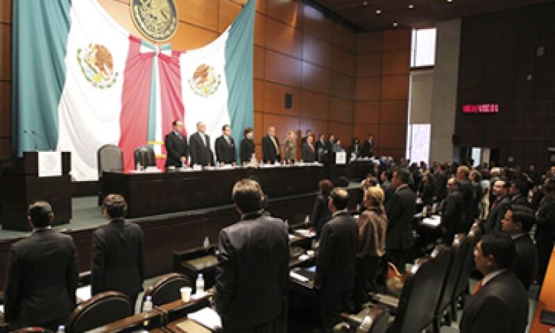 Diputados del PRD criticaron la estrategia energética por priorizar al capital privado. (Foto: Notimex)