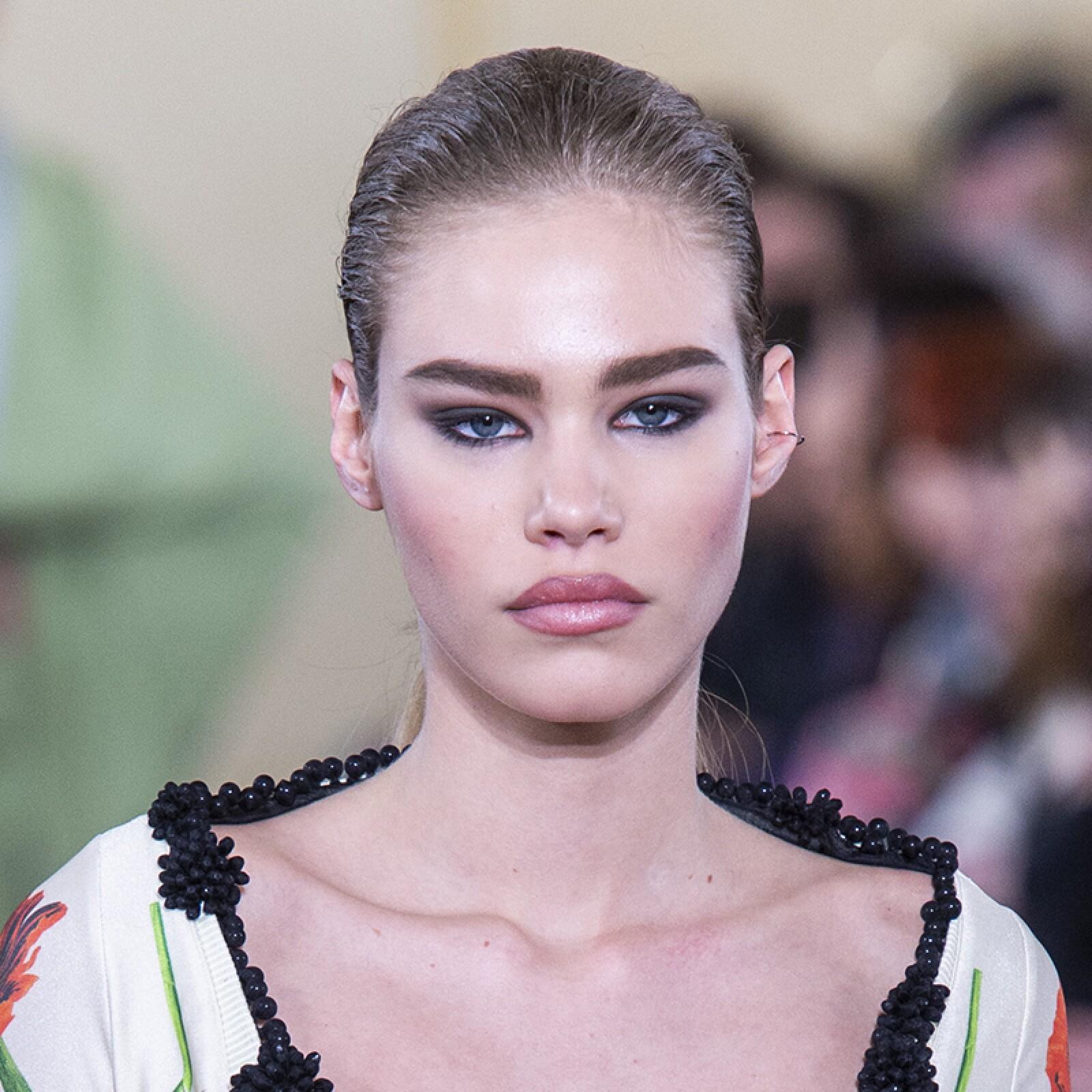 PFW-Paris-Fashion-Week-Runway-Pasarela-Beauty-Look-Belleza-Y-Project