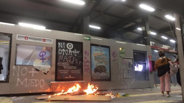 Destrozos en el Metrobús 6