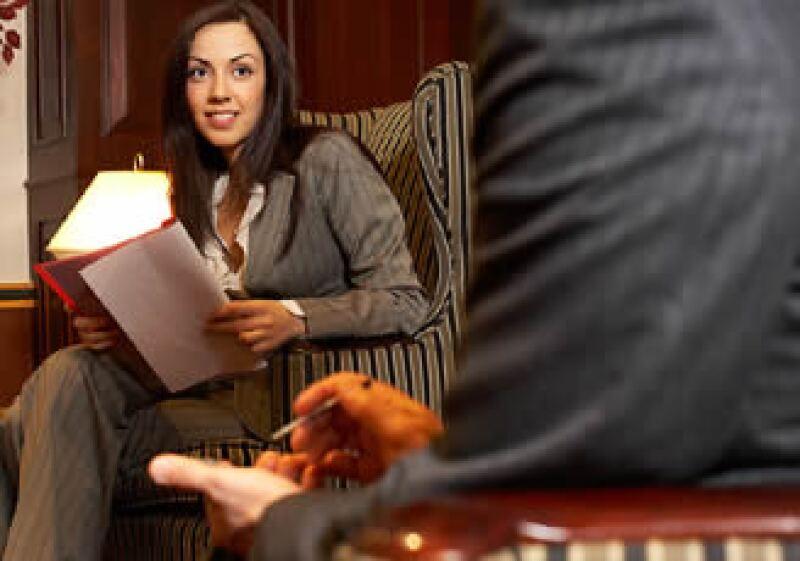 Los especialistas recomiendan adaptar tu CV para cada nuevo empleo que solicites. (Foto: Jupiter Images)